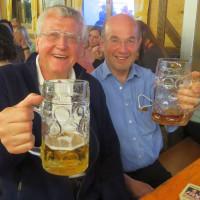 Wolfgang Lorenz und Karl Heinz Stallinger beim VdK-Frühlingsfest